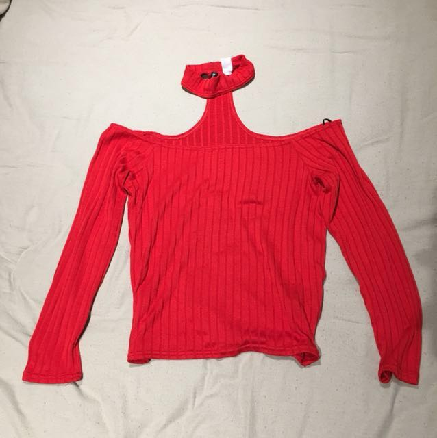 H&M red ribbed long sleeve shirt with choker