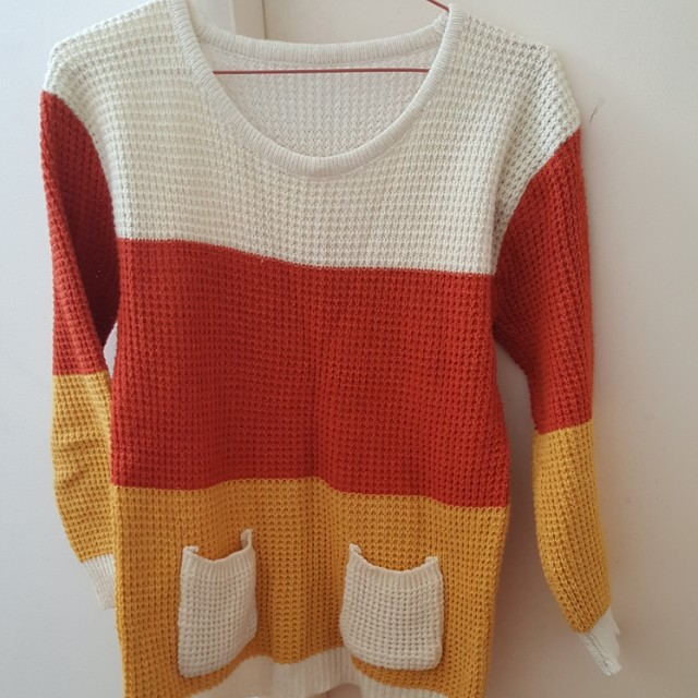 Knitwear with pockets