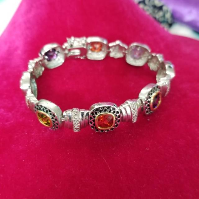 LQQK STILL AVAILABLE Like New Designer Look Multi Color Stone Bracelet