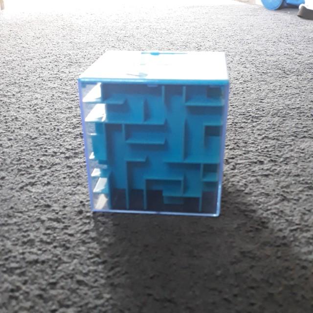 Money puzzle box