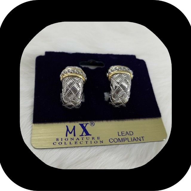 LQQK! STILL AVAILABLE.  Please Like My Post !New Mx Signature Collection Earrings