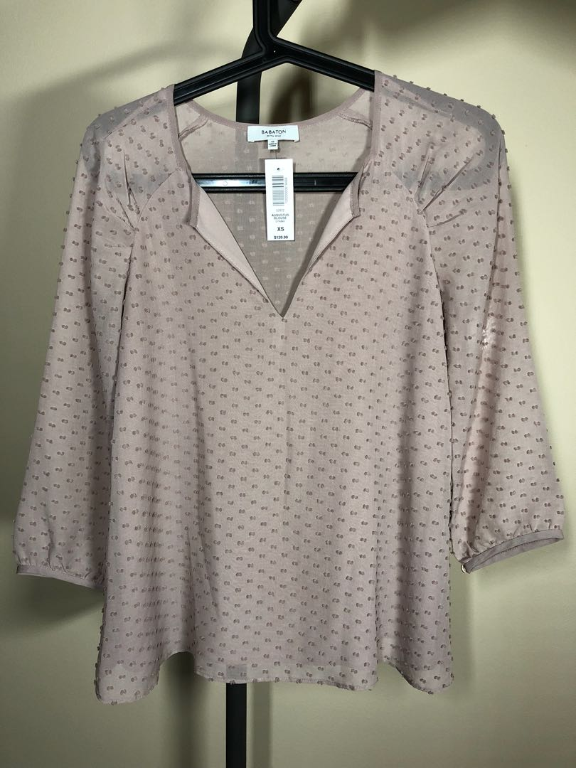 NEW WITH TAGS Aritzia Babaton Augustus blouse
