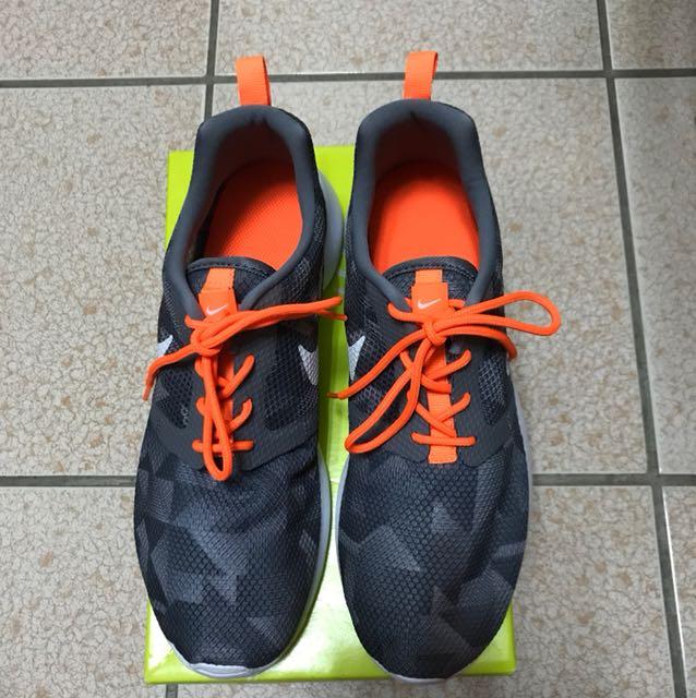 NIKE 耐吉 輕量運動鞋