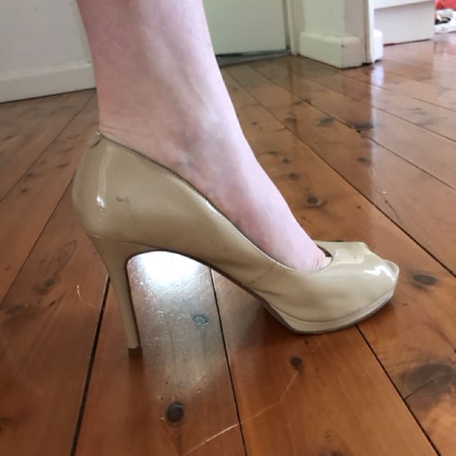 Nine West nude patent heels peep toe