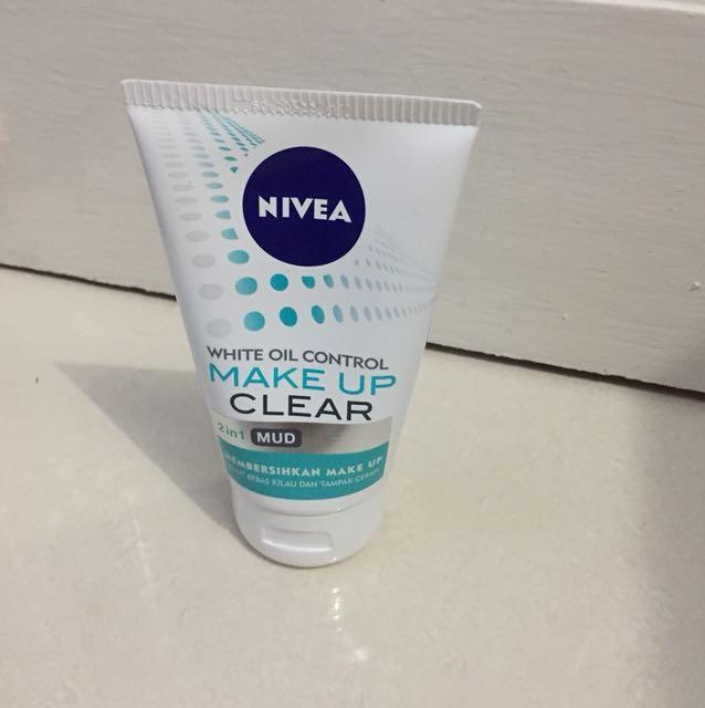 Nivea make up clear mud