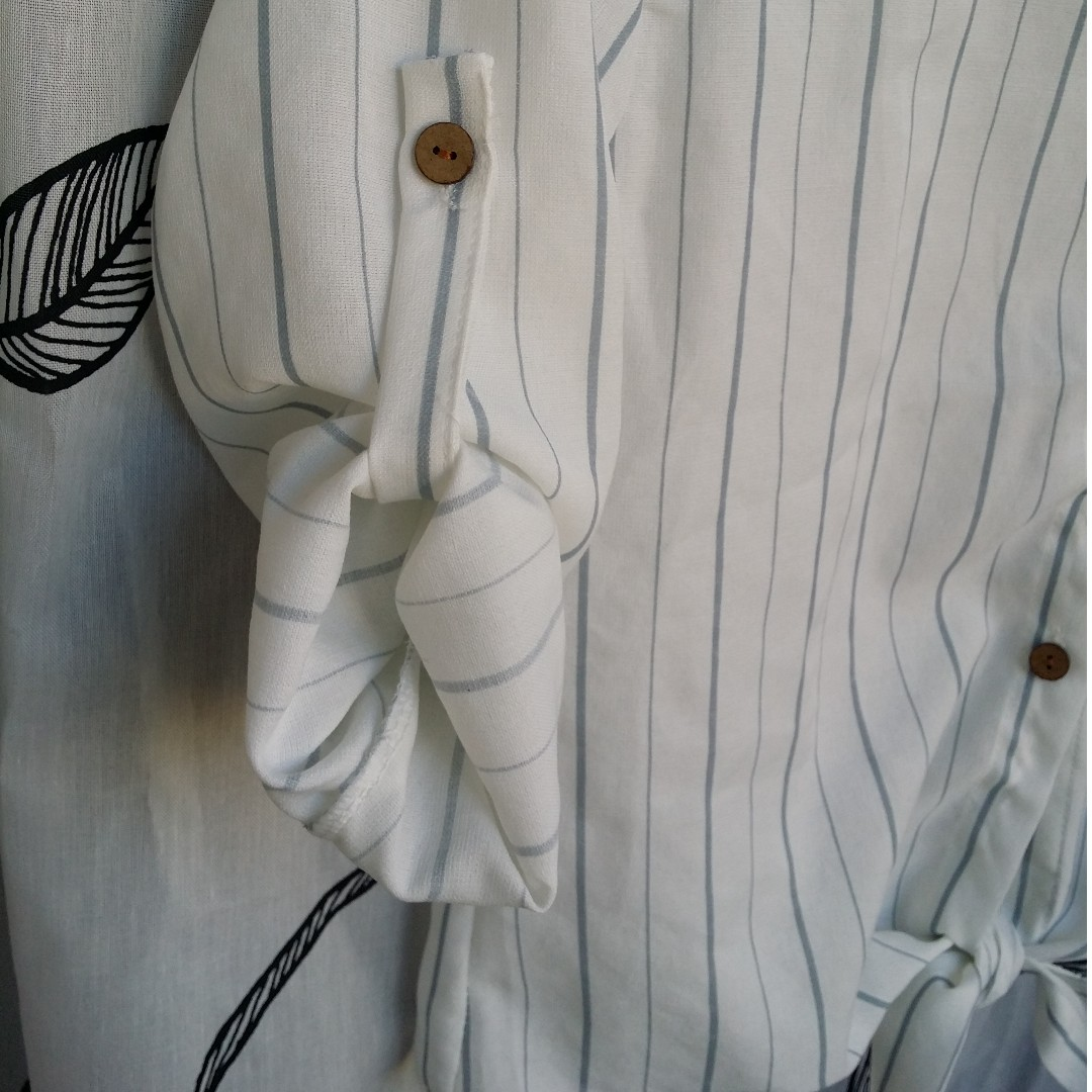 NWOT*Striped Tie-Front Shirt