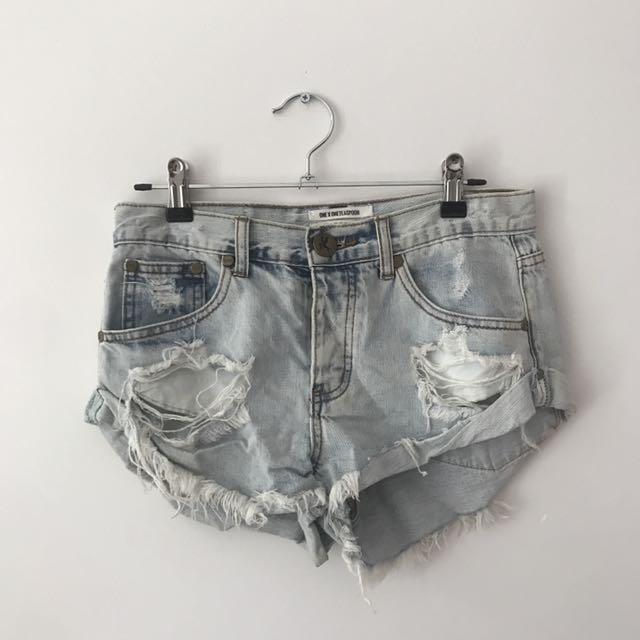 One teaspoon denim shorts size 24