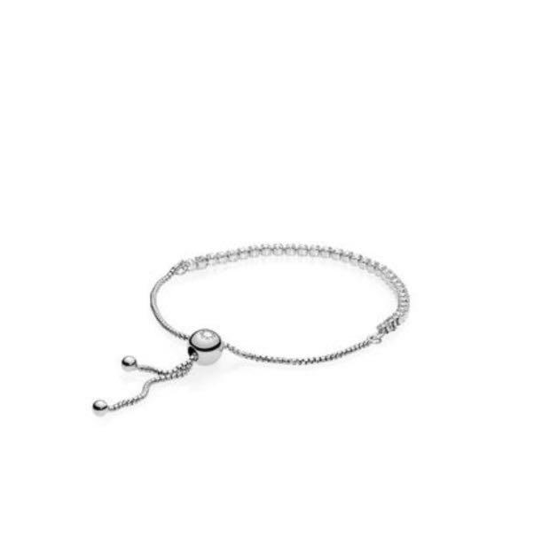 PANDORA Sparkling Stand Bracelet