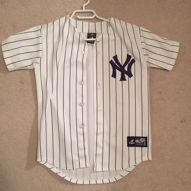 *PRICE DROP* NY Yankees Baseball Jersey