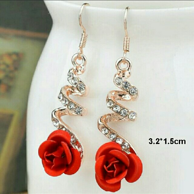 Red Flower Earrings Gold Plated // anting