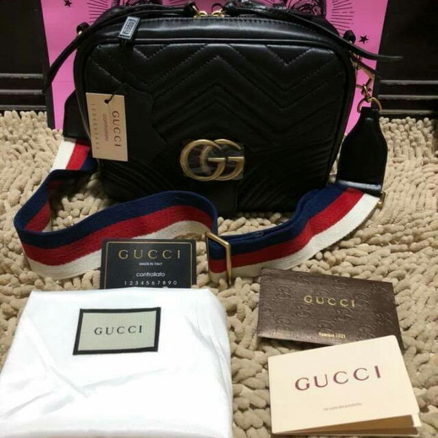 SALE Gucci sling bag