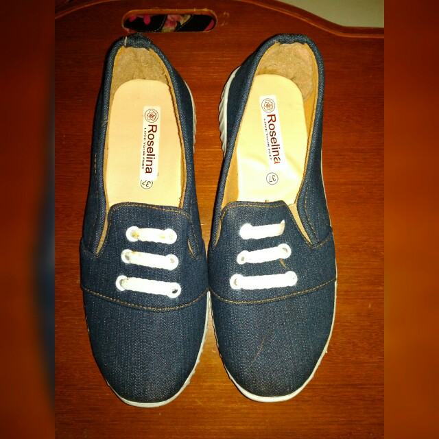 Sepatu Jeans
