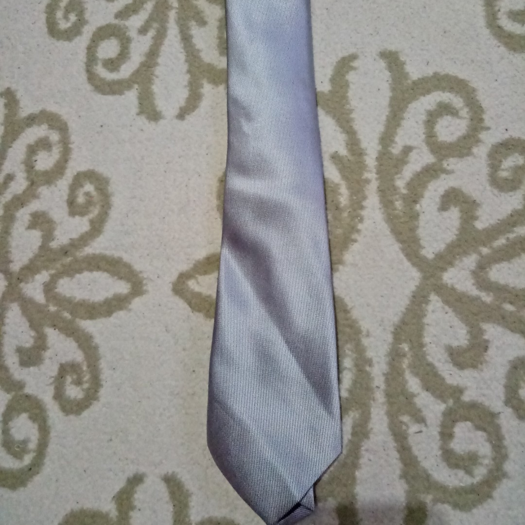 Silver Tie (New)