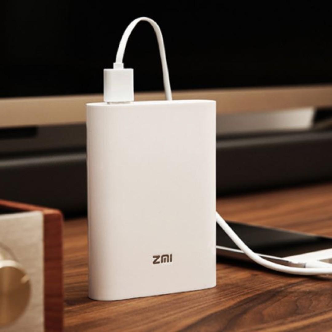 [Spring Sale] ZMI MF855 portable 4G Router + 7800 mAH power bank, 2 in 1 model.