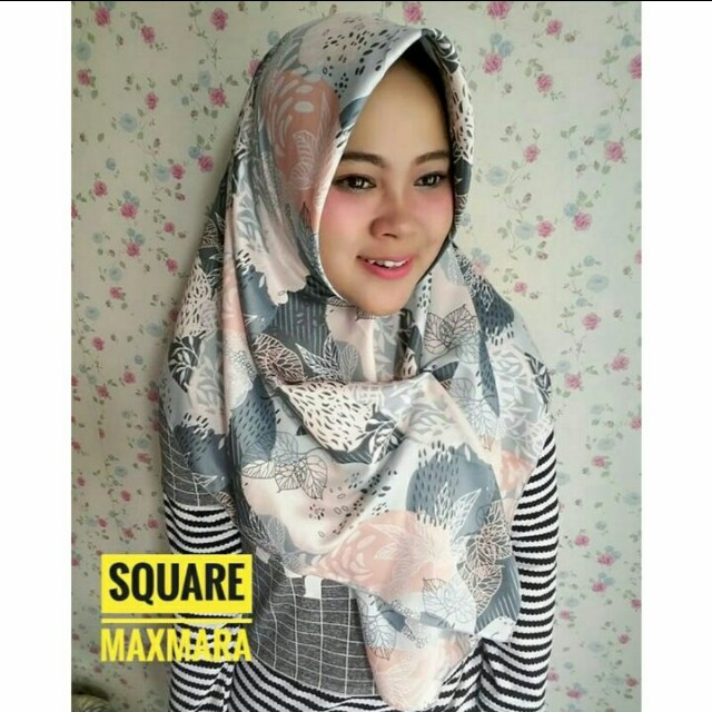 Square maxmara