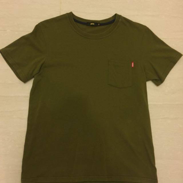 軍綠色口袋Tee M號