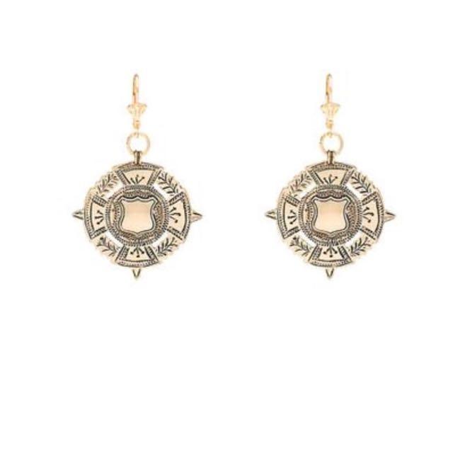 The sovereign earring