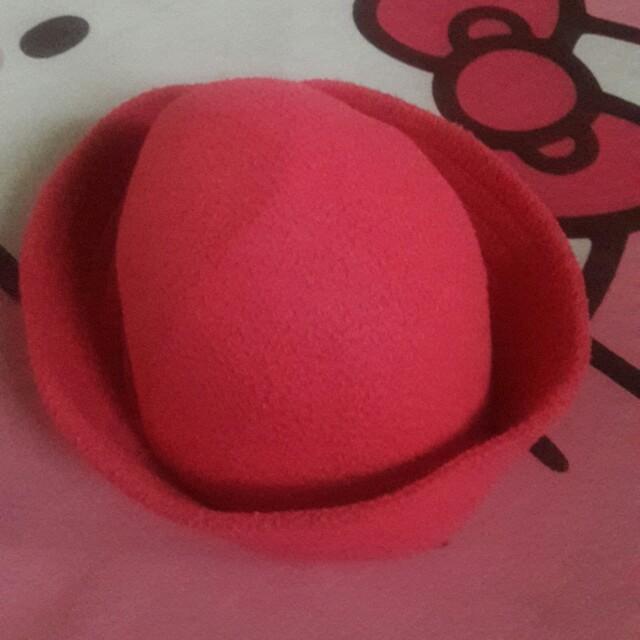 Topi anak perempuan