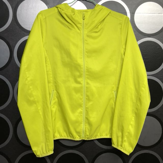 uniqlo 風衣外套 螢光綠 女生