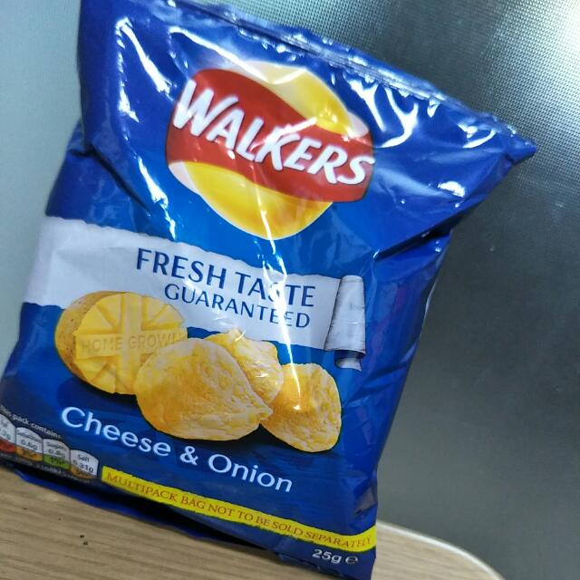 Walker's Cheese And Onion Potato Chips