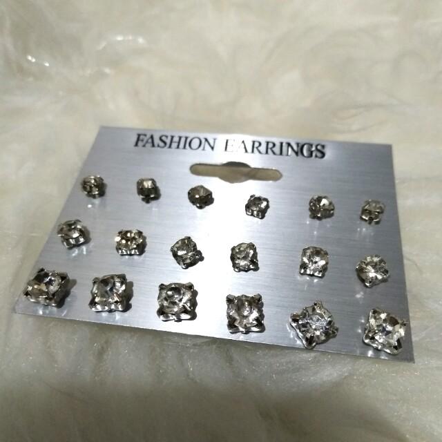 Zirconia Studs Silver Earrings // anting