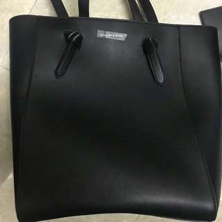 Charles & Keith OVERSIZED STRUCTURED TOTE BAG