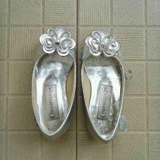 Preloved Cinderella shoes for kids