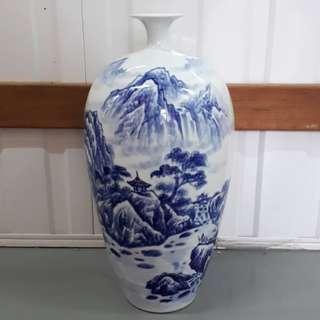 """Porcelain Vase 陶瓷花瓶18""""x6""""x5"""""""