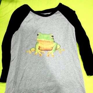 🚚 Fandora 青蛙 接袖 上衣
