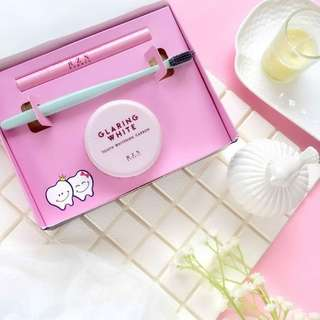 GLARING WHITE TOOTH BEAUTY KIT PREORDER
