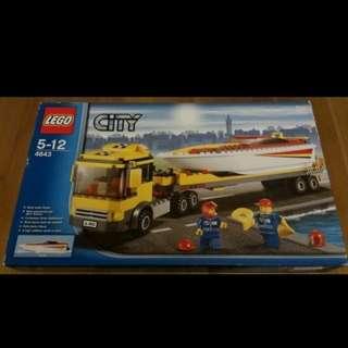全新未開盒 Lego 4643 Power Boat Transporter  City 城市系列 (11年出產)