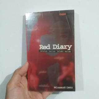 Red Diary - Moamar Emka