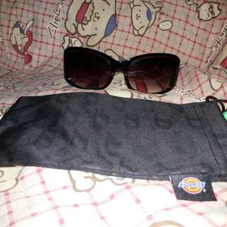 Dickies Black Smokey Sunglasses from Singapore
