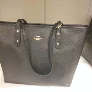 Coach handbag 100% new black