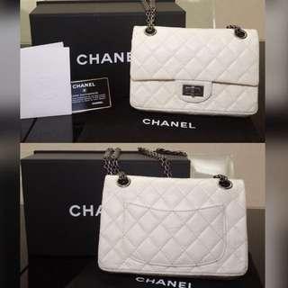 購自專門店保證100%正品Chanel米白色手袋(皮超靚)