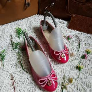 Authentic Tory Burch Pink Patent Leather Ballet Flats Size 5 also fits to size 36