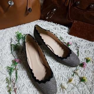 Authentic J.Crew Scallop Shimmering Silver Chunky Heel Pumps Size 6 1/2 also fits to size 37