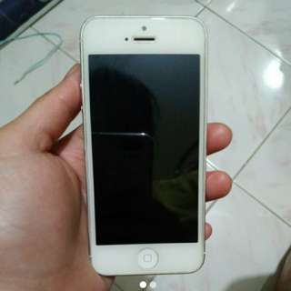 FACTORY UNLOCKED IPHONE 5 NO ISSUE