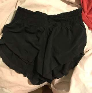 Lulu lemon flowy shorts size 4