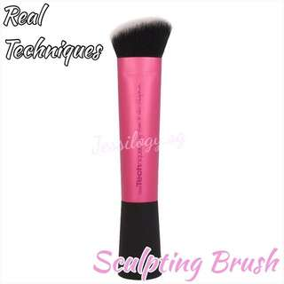 INSTOCK Real Techniques Sculpting Brush by Sam And Nic Chapman / Real Techniques By Sam & Nic - Professional Sculpting Brush