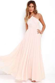 Lulu's light pink prom dress