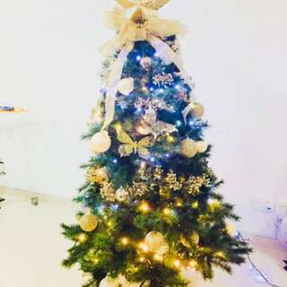 High quality Christmas tree and full decoration