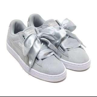 Bnib Authentic Puma basket heart suede sneakers