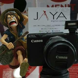 Kredit Kamera Canon M10