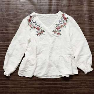 The style mafia Floral Embroidery top (White)