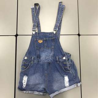 Blue shorts suspender