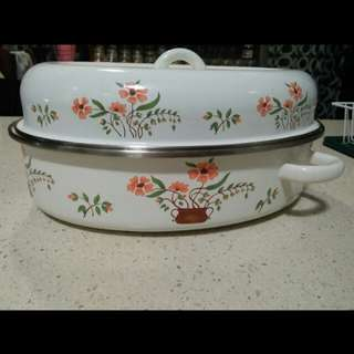 Country style oval enamel pot. Made in Spain.
