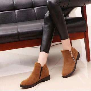 Boots (color available black&brown)