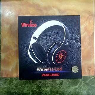 Wireless earphone (bluetooth with LED)