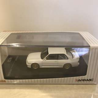 Tarmac Works 1/64 BMW M3 E30-Plain White Special Edition